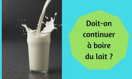 Doit-on continuer à boire du lait ? (Vidéo)