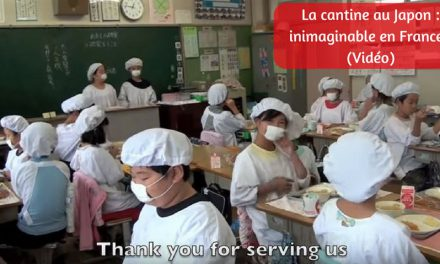 La cantine au Japon : inimaginable en France ! (Vidéo)